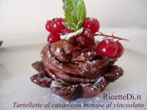 tartellette di pasta frolla al cacao con mousse al cioccolato