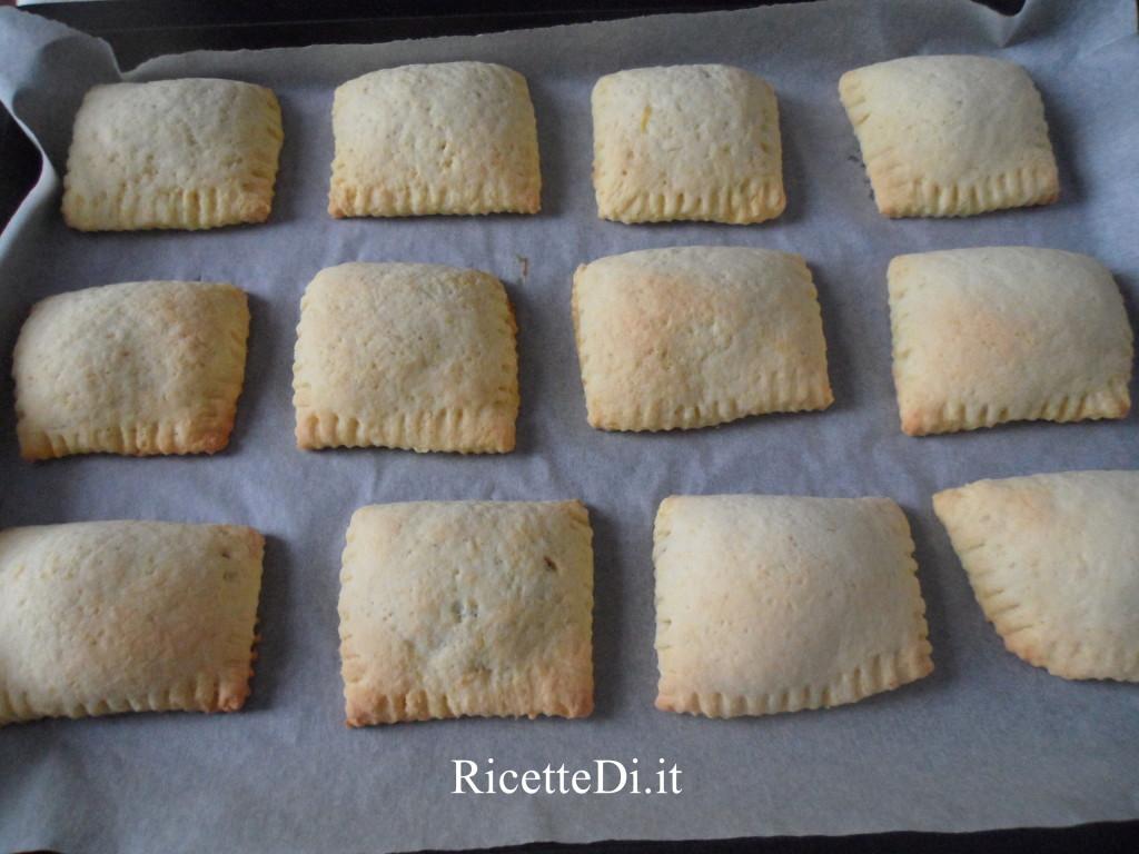 13_tortelli_dolci_con_marmellata_di_pere_e_noci