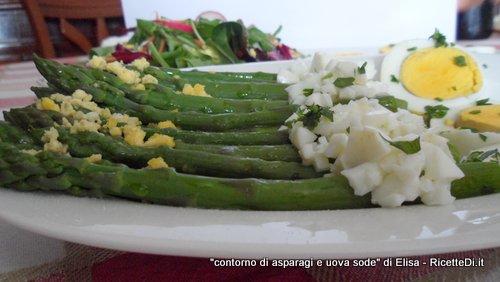 uova sode e asparagi